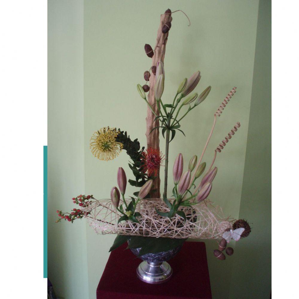 סידור פרחים כסוף